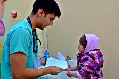 Volunteering-Abroad-Self-vs-Organized