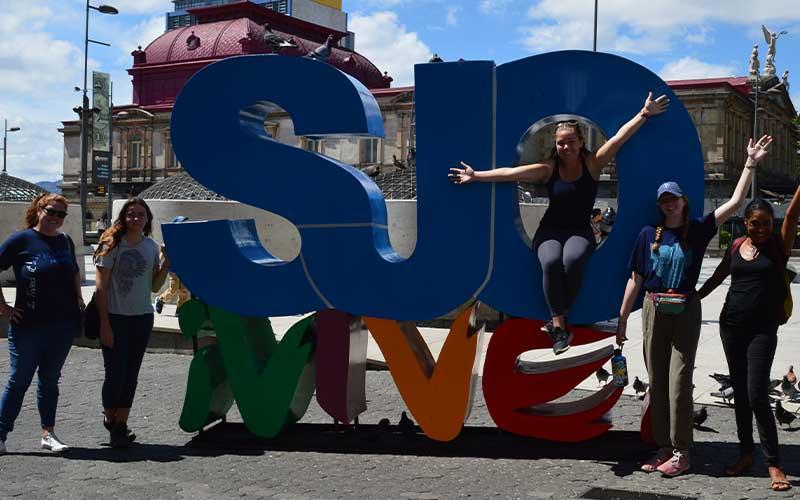 5-Unique-Volunteer-Abroad-Programs-in-Costa-Rica