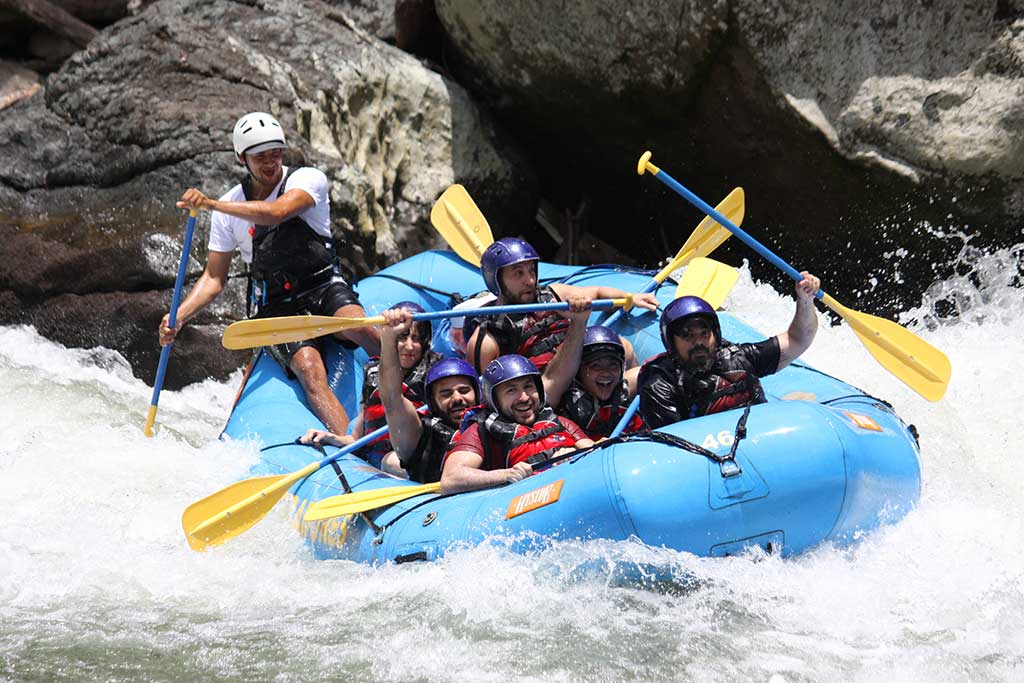 Ave-Abellanosa-White-Whater-Rafting-in-Costa-Rica