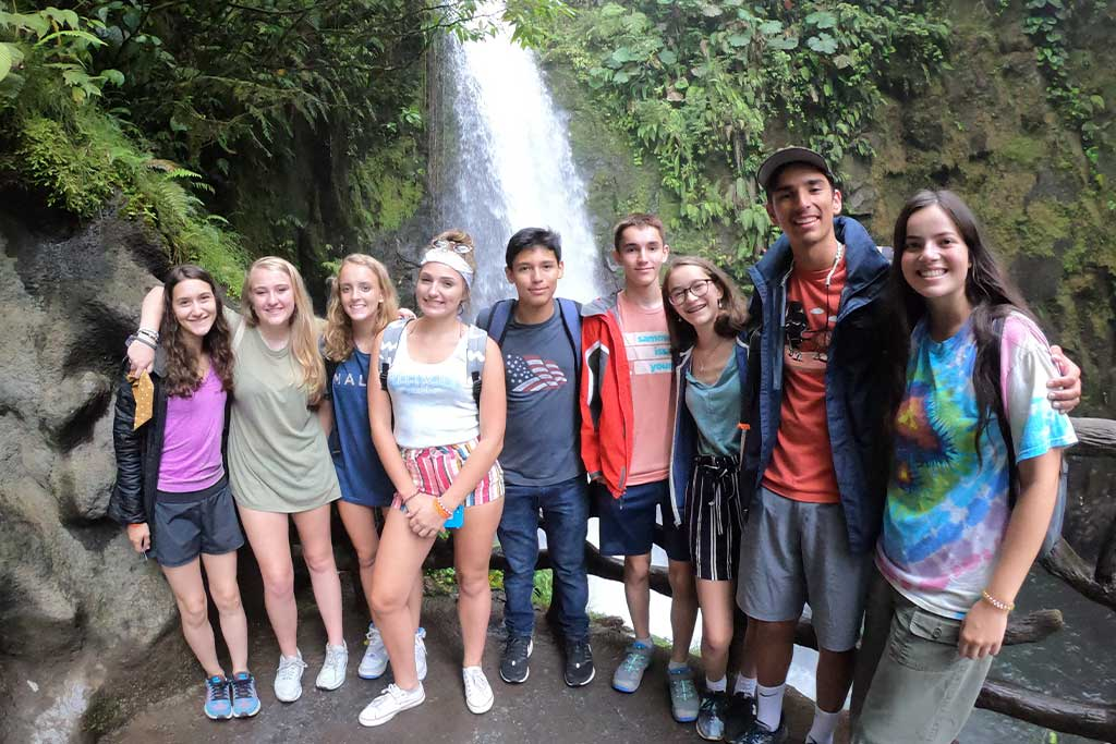 Tour-Activities-for-High-School-Students-Studying-Abroad