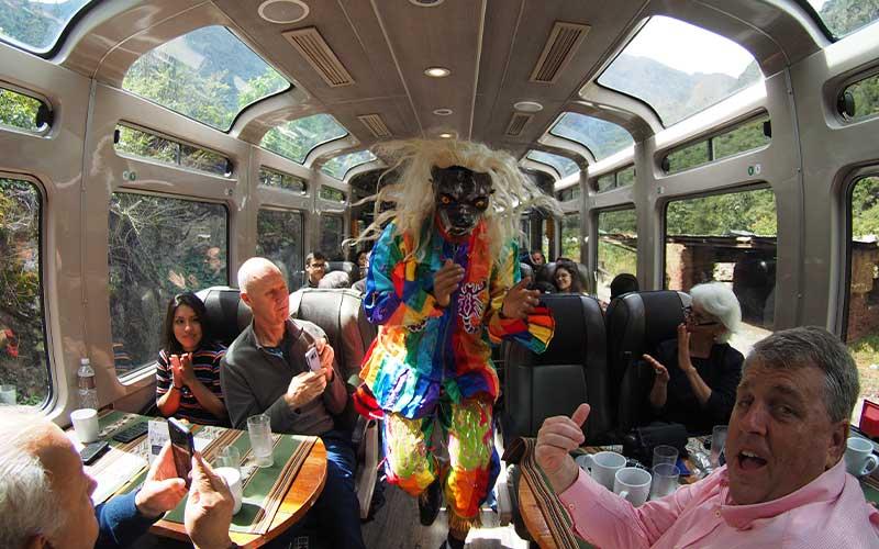 Train-from-Cusco-to-Machu-Picchu