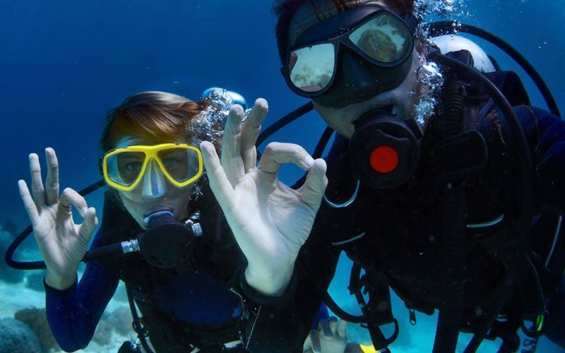 Get Scuba Certified with Maximo Nivel
