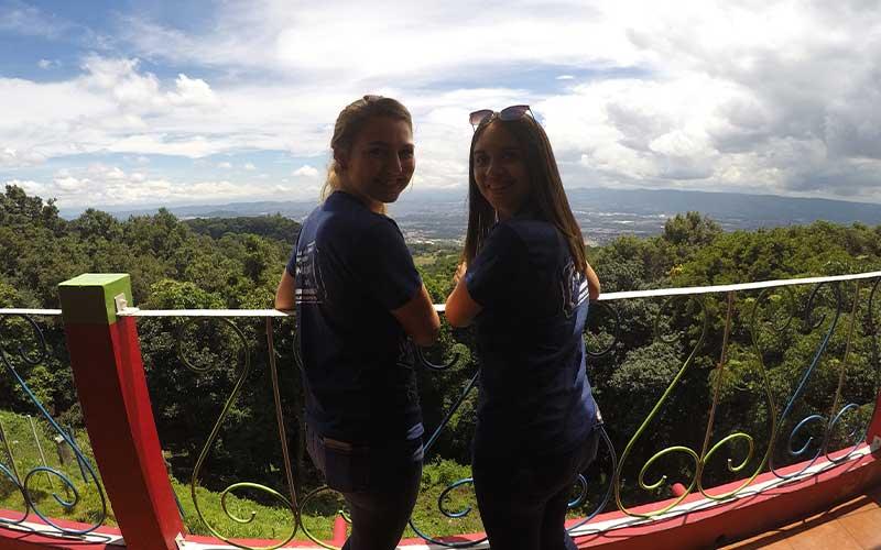best-friends-volunteer-abroad-guatemala