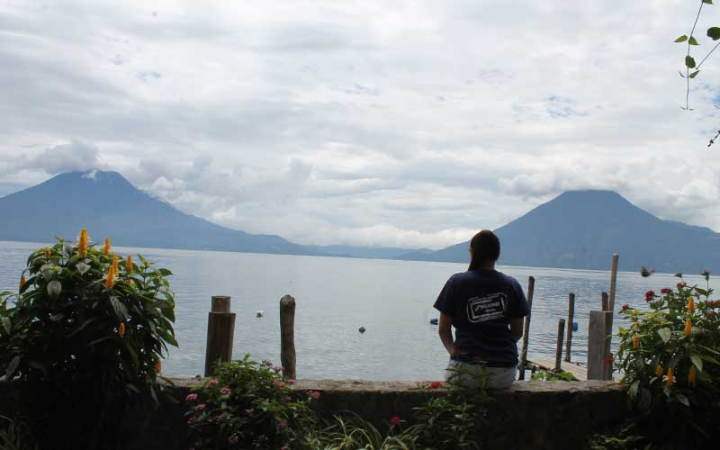 nurse-travel-guatemala-atitlan