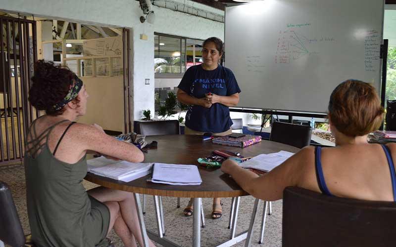 study-spanish-in-manuel-antonio-costa-rica