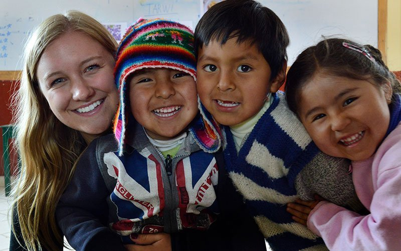 Volunteer Working with Kids in Peru