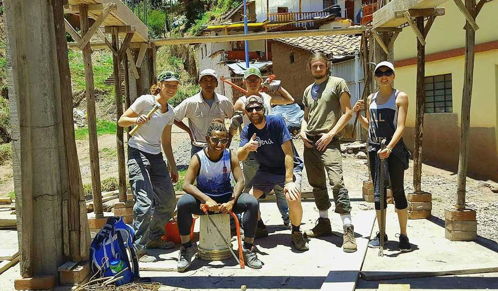 Volunteer in building and construction in Peru